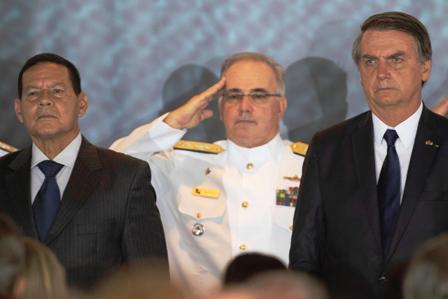 Ceremonia de cambio de mando de la Marina