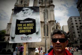 Sindicalistas y jubilados rechazan propuesta de reforma de pensiones de Bolsonaro