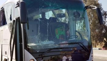 La televisión estatal indicó que el autobús llevaba a 25 turistas sudafricano. (Reuters).
