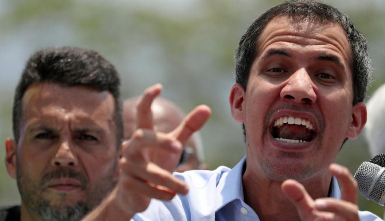 """El presidente encargado de Venezuela, Juan Guaidó, aseguró este sábado que el régimen de Nicolás Maduro está """"tan débil"""" que quiso """"manipular"""" con un diálogo con la oposición. (Foto: Reuters)"""