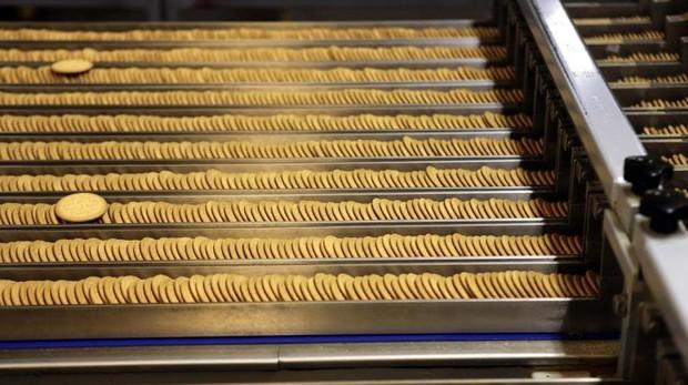 Los ultraprocesados nos hacen comer más cantidad y acumular más peso, según un estudio - ABC