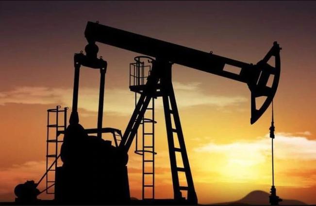 Se disparó el precio del petróleo por las tensiones entre EEUU e Irán (AP)