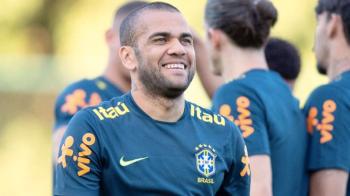 El futbolista brasileño Dani Alves, de 36 años, es jugador libre pero tiene muchos pretendientes (@danialves)