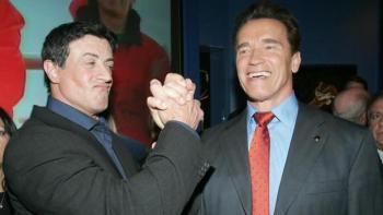 Stallone y Schwarzenegger durante la «premier» del programa «The Contender» en 2005 - REUTERS