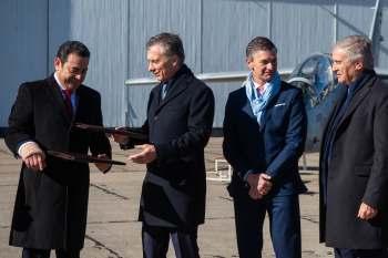 La transacción se había cerrado por US$28 millones y permitía a Fadea cerrar el año en equilibrio financiero; era la primera venta al exterior de este tipo de aeronaves Crédito- Min. de Defensa .