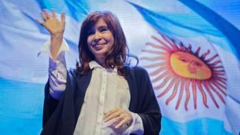 La expresidenta Cristina Fernández de Kirchner durante la presentación en Mar del Plata de su libro 'Sinceramente'. AFP