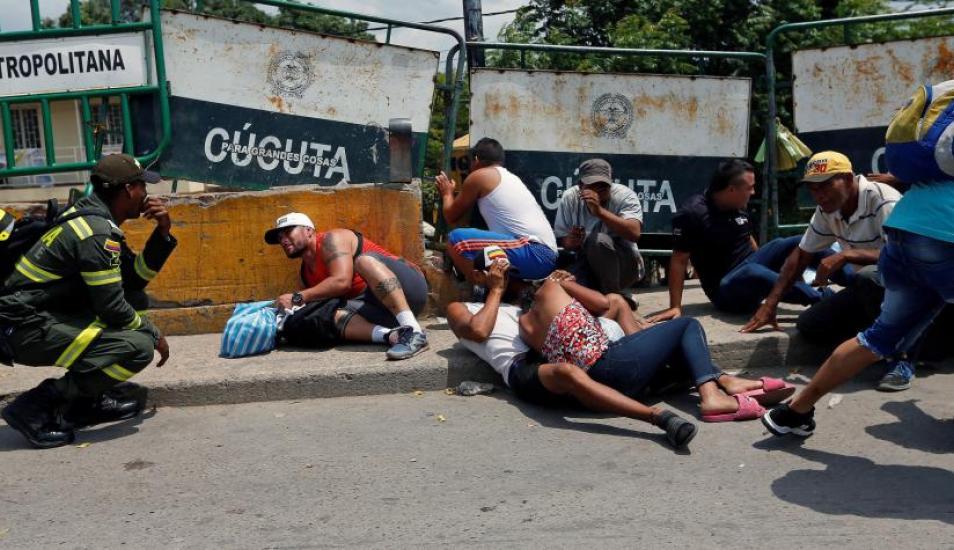 El 3 de mayo, justo al lado del fronterizo puente Simón Bolívar se registró una balacera entre delincuentes que controlan las trochas, dejando como saldo un muerto y un herido. Foto- Reuters, vía El Tiempo, GDA