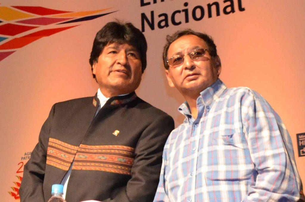 El ex Gobernador Lino Condori, junto a Evo Morales