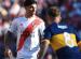 Enzo Pérez maneja la pelota ante la atenta mirada de Alexis Mc Allister. Foto: (@RiverPlate)
