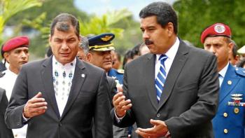"""El dictador venezolano Nicolás Maduro junto con su par ecuatoriano, Rafael Correa. El ex presidente radicado en Bruselas hace trabajos de """"consultoría"""" para el régimen de Venezuela"""
