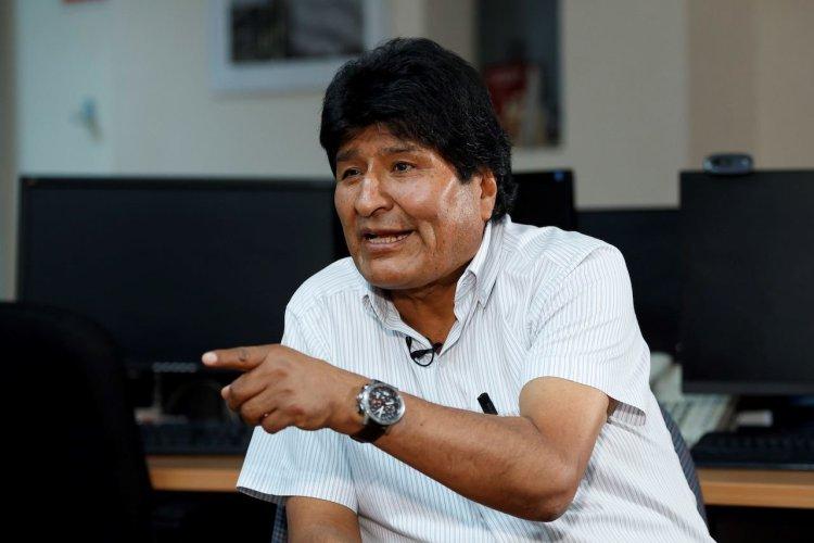 """GRAF476. CIUDAD DE MÉXICO, 17/11/2019.- El expresidente de Bolivia Evo Morales este domingo 17 de noviembre de 2019 durante una entrevista con Efe en Ciudad de México (México). Morales tiene """"mucho miedo"""" a que estalle en Bolivia una guerra civil por lo que hizo un llamamiento este domingo para que sus compatriotas acaben de inmediato con los enfrentamientos. EFE/José Méndez"""