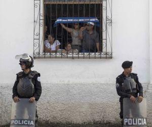 Madres bajo fuerte tensión en segundo día de huelga de hambre en Nicaragua