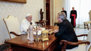 Pope Francis (L) speaks with Argentina's President Alberto Fernandez during a private audience at the Vatican on January 31, 2020. (Photo by REMO CASILLI / POOL / AFP)