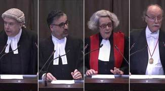 Cuatro de los abogados que representaron a Bolivia- Lowe, Akhavam, Chemillier y Brotons. Foto vía LT