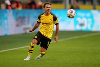 DORTMUND, GERMANY - OCTOBER 27: Mario Goetze of Dortmund runs with the ball during the Bundesliga match between Borussia Dortmund and Hertha BSC at Signal Iduna Park on October 27, 2018 in Dortmund, Germany. The match between Dortmund and Berlin ended 2-2. (Photo by Christof Koepsel/Bongarts/Getty Images)