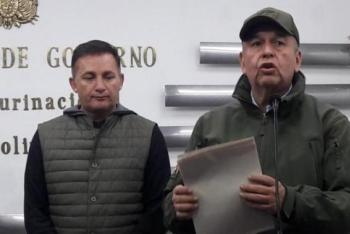 Ministros de Defensa y de Gobierno, Fernando López y Arturo Murillo. (de izq a der)