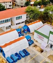 Vista aérea de los domos adicionales instalados por incremento de pacientes con coronavirus.